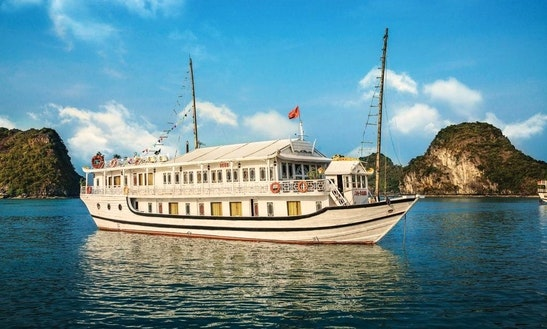 Enjoy Cruising In Thành Phố Hạ Long, Vietnam On Seasun Passenger Boat