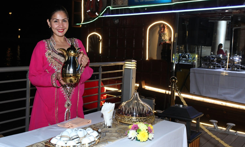 Go on an elegant dinner cruise in Dubai, UAE