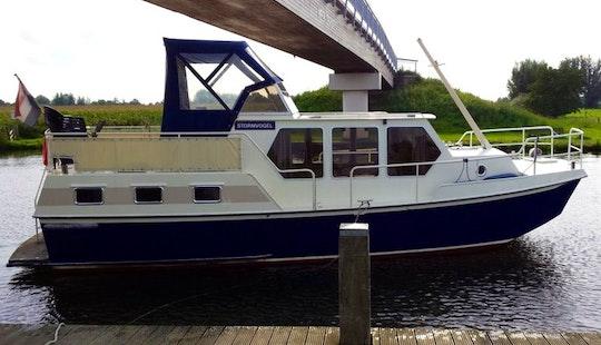 34' Rogger 1050 Salon Motor Yacht Charter In Ijsselstein