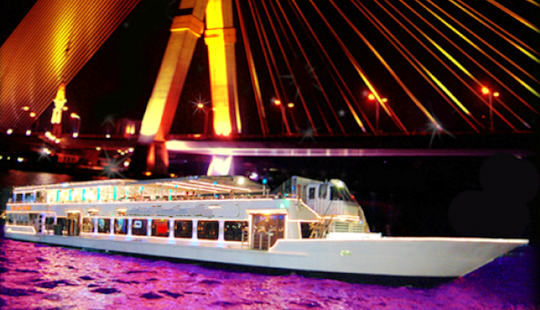 Grand Dinner Cruise On Chaophraya River