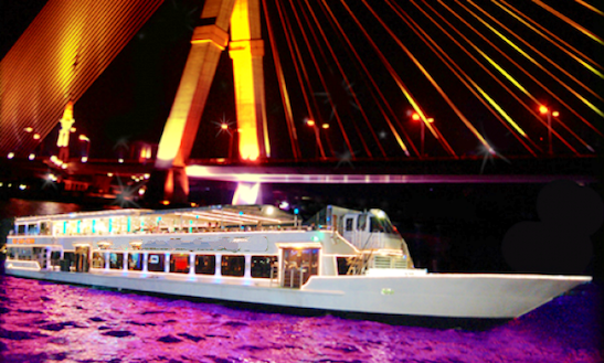 Grand Dinner Cruise On Chaophraya River