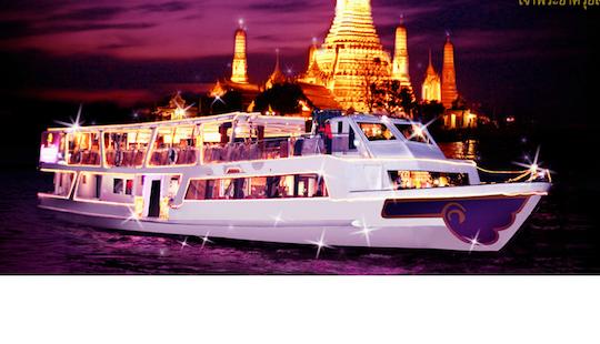Dinner Cruise On Chaophraya River
