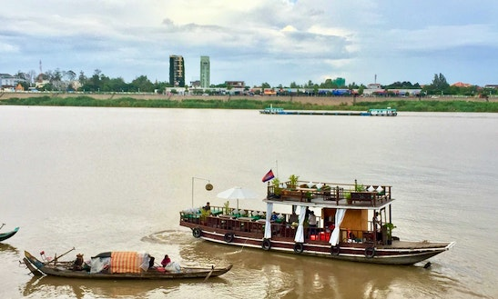 River Cruise In Phnom Penh