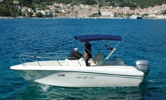 Rent A 6 Person Insidias Hm Fly22 Center Console In Hvar, Croatia