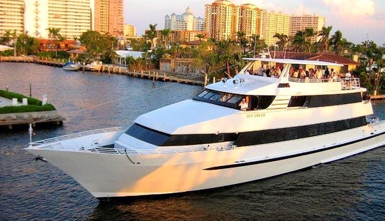 The Sundream - Luxury Party Yacht In Palm Beach