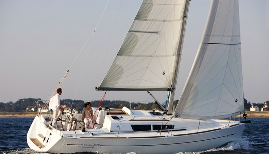 2014 Jeanneau Sun Odyssey 33i Cruising Monohull Charter In Skiathos, Greece