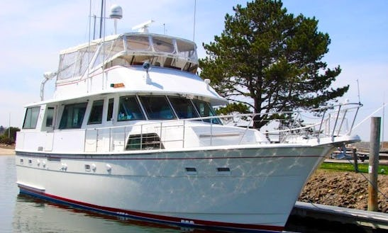 Crewed Charter On 60′ Hatteras Luxury Yacht For 34 People In Sag Harbor, New York
