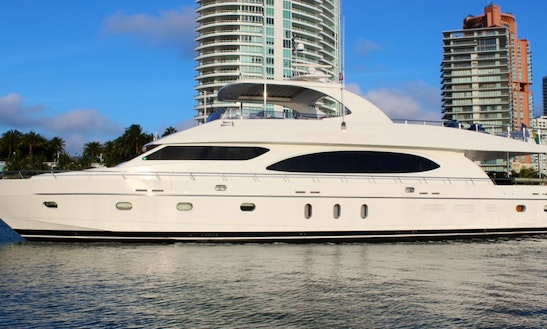 97′ Hargrave Luxury Yacht With Deck Jacuzzi For Charter In Sag Harbor, New York