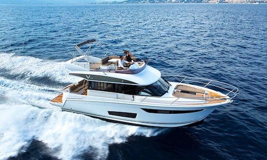 Motor Yacht Velasco 43 Ft