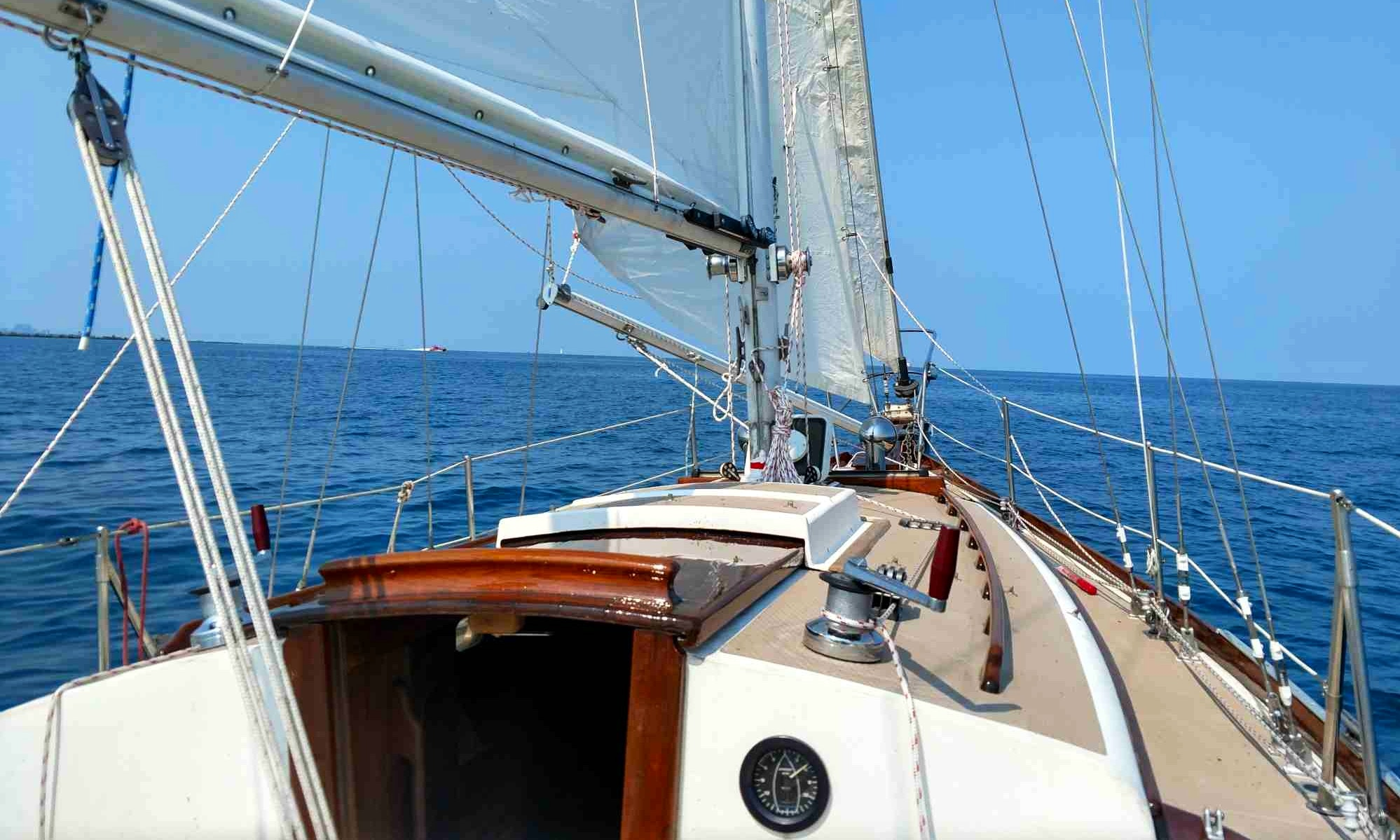 Classic Shannon Sailboat W Professional Captain For Charter