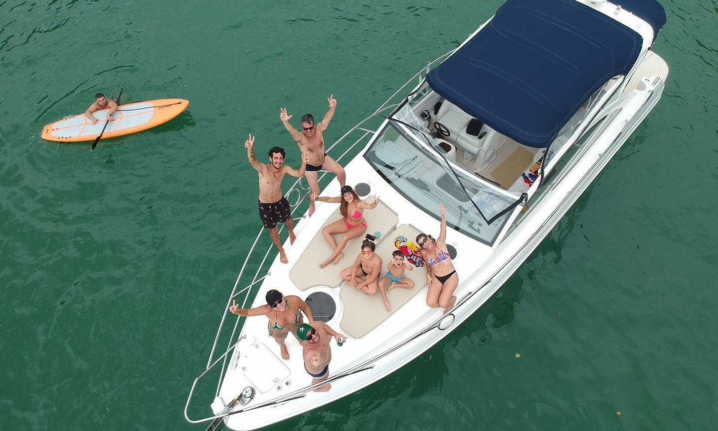 Captained Charter a 36' Cuddy Cabin Yacht for 10 People in São Paulo, Brazil