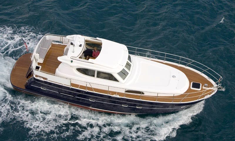 Motor boat ELLING E4 rent in Montenegro