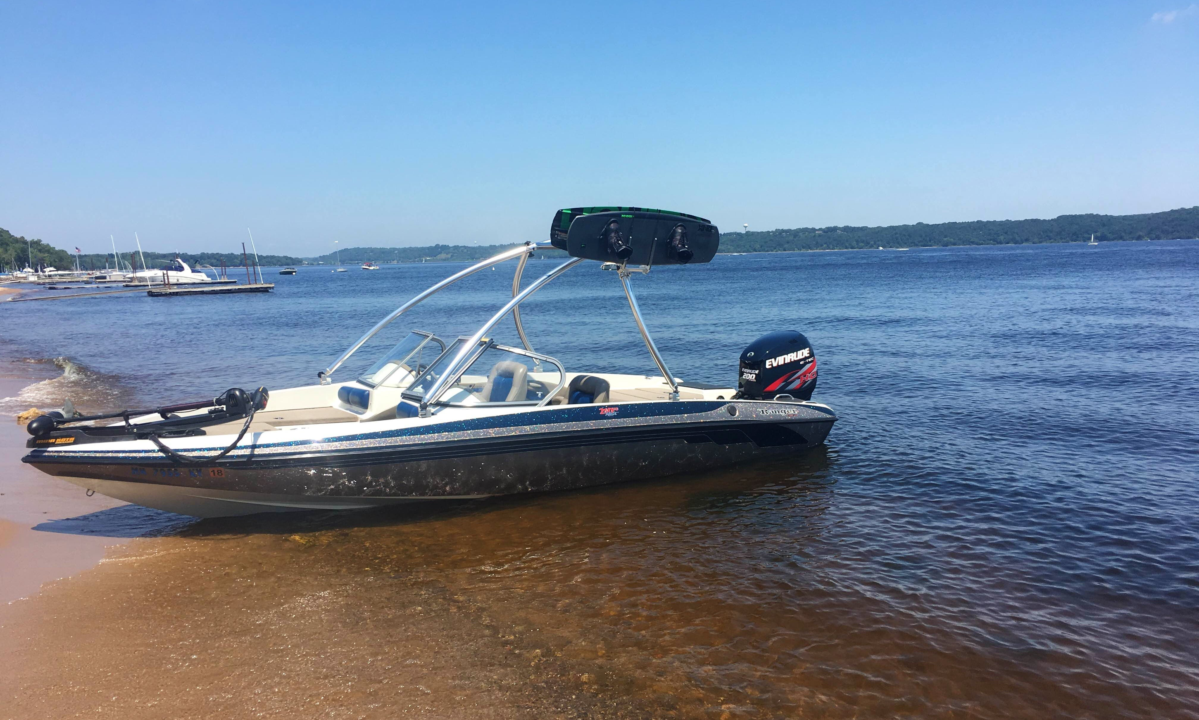 21 Ft Ranger Reatta (200HP)