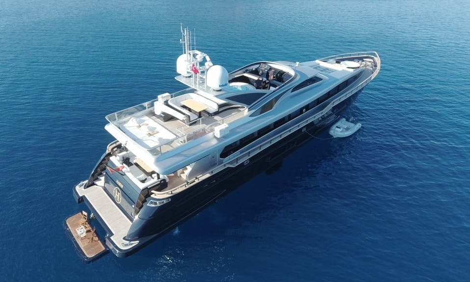 38 METER LUXURY SUPERYACHT for CHARTER 10 GUEST CAPACITY