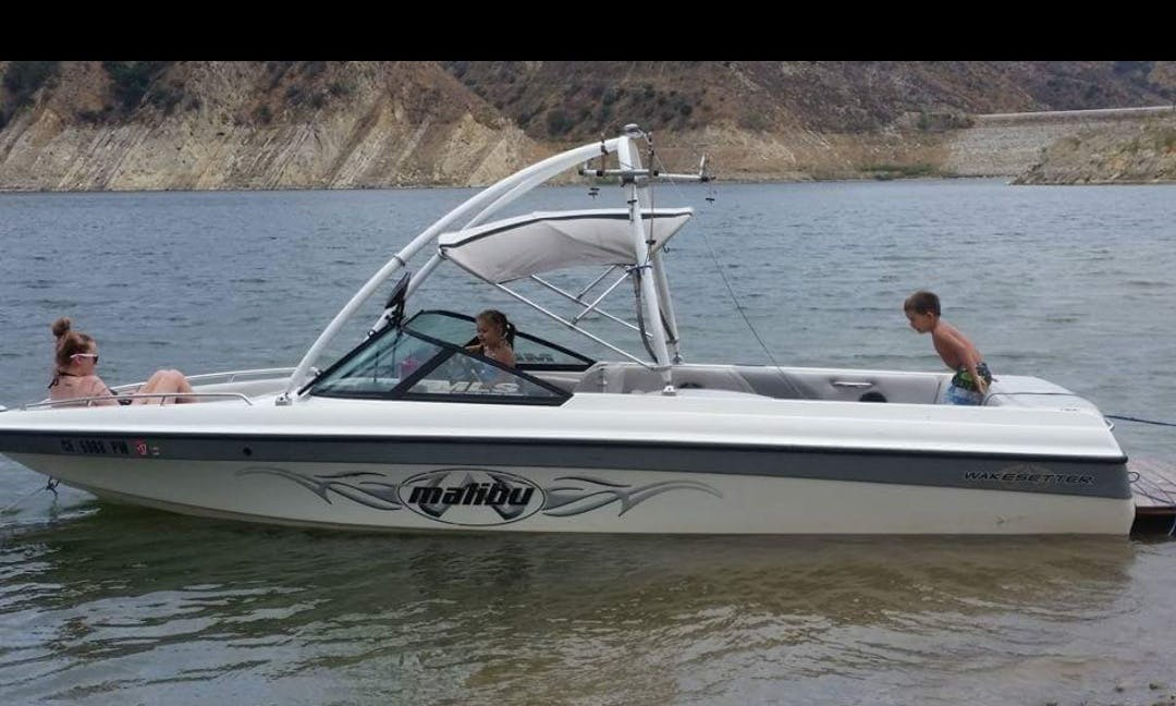 10 People Wakeboarding Boat for Rent in Castaic, California