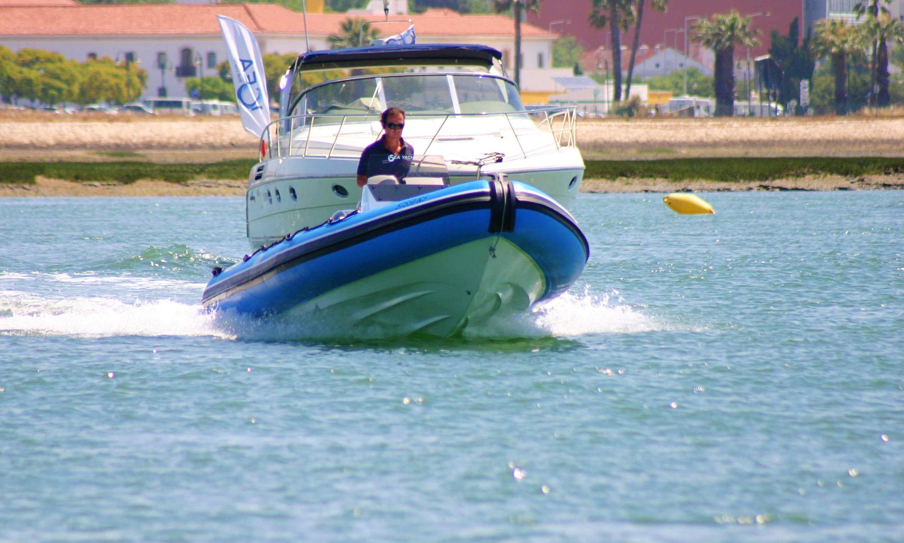 2018 Hidrosport 646 RIB rental in Faro for 8 guests