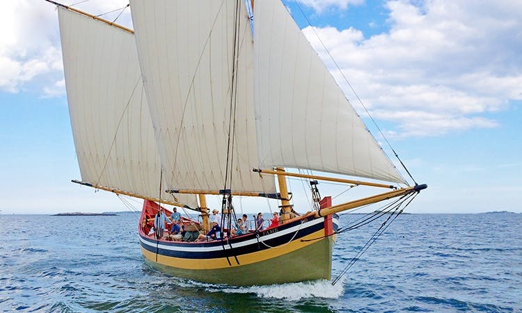 Schooner rental in Salem for all types of events and private sails