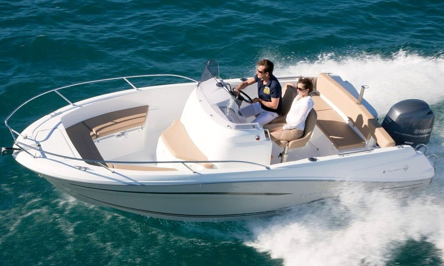 Brand new Jeanneau Cap Camarat 6.5 CC for 7 Person in La Rochelle