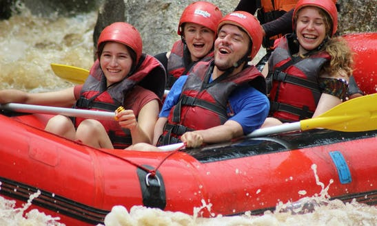 White Water Rafting In Chiang Mai At Mae Taeng