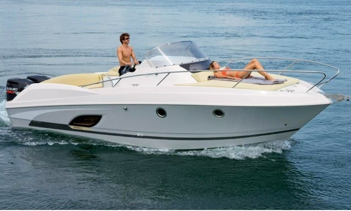 Beneteau Flyer 8.8 Space Deck for Rent in La Rochelle, France  (License Required)