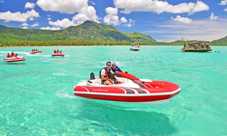 Best Adrenaline Boat Ride Experience in Rivière Noire, Mauritius