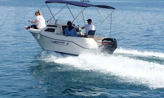 Rent The 14' Power Boat In La Rochelle, France Up To 4 People(licensed Required)