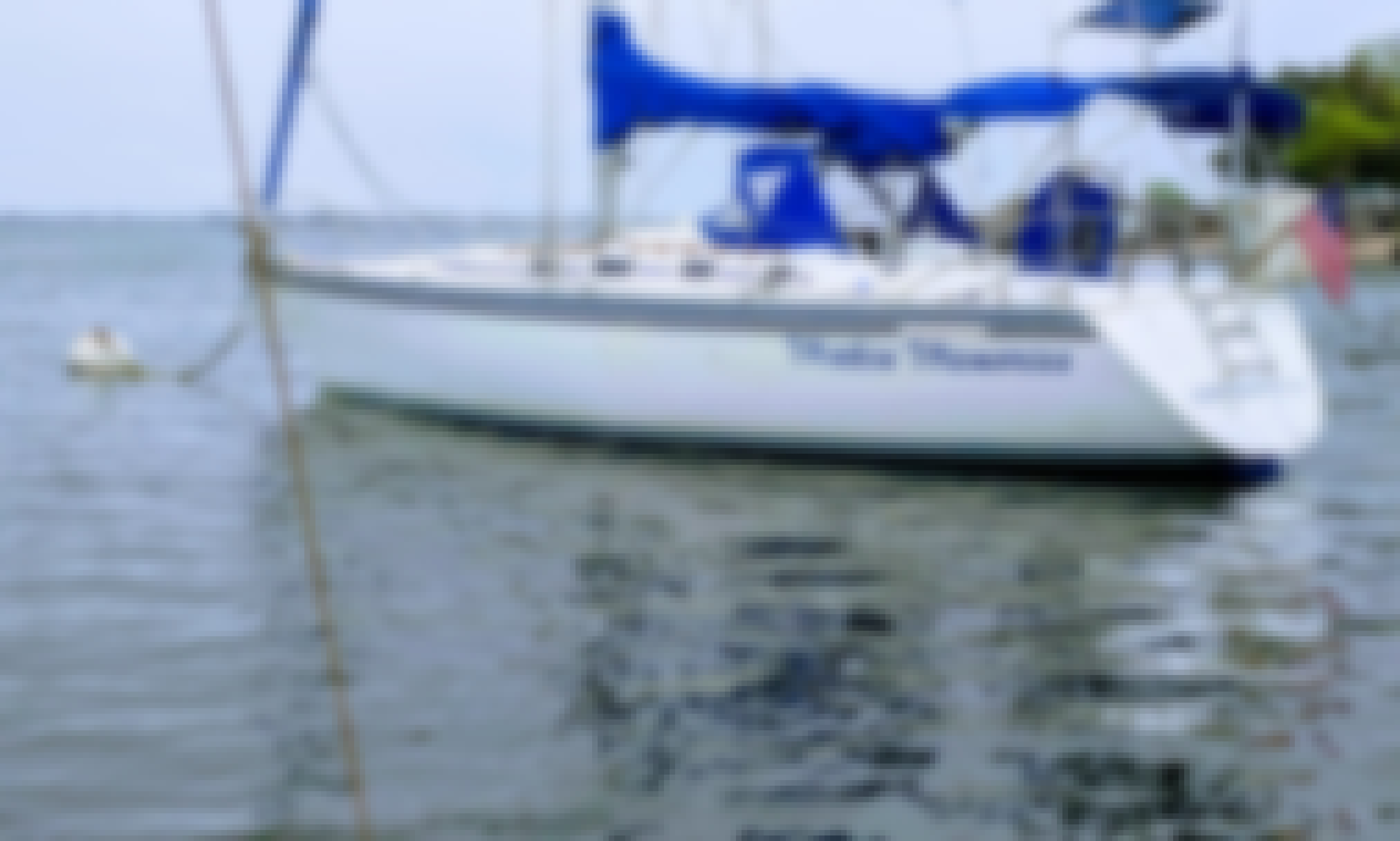 40' Hunter Sailboat for 6 People in Sheepshead Bay with Captain George