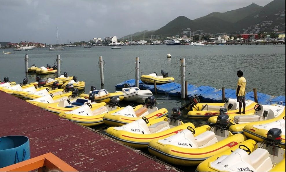 Drive a 12' Scoobi Ray Craft on a Guided 2.5 Snorkeling Tour in Sint Maarten