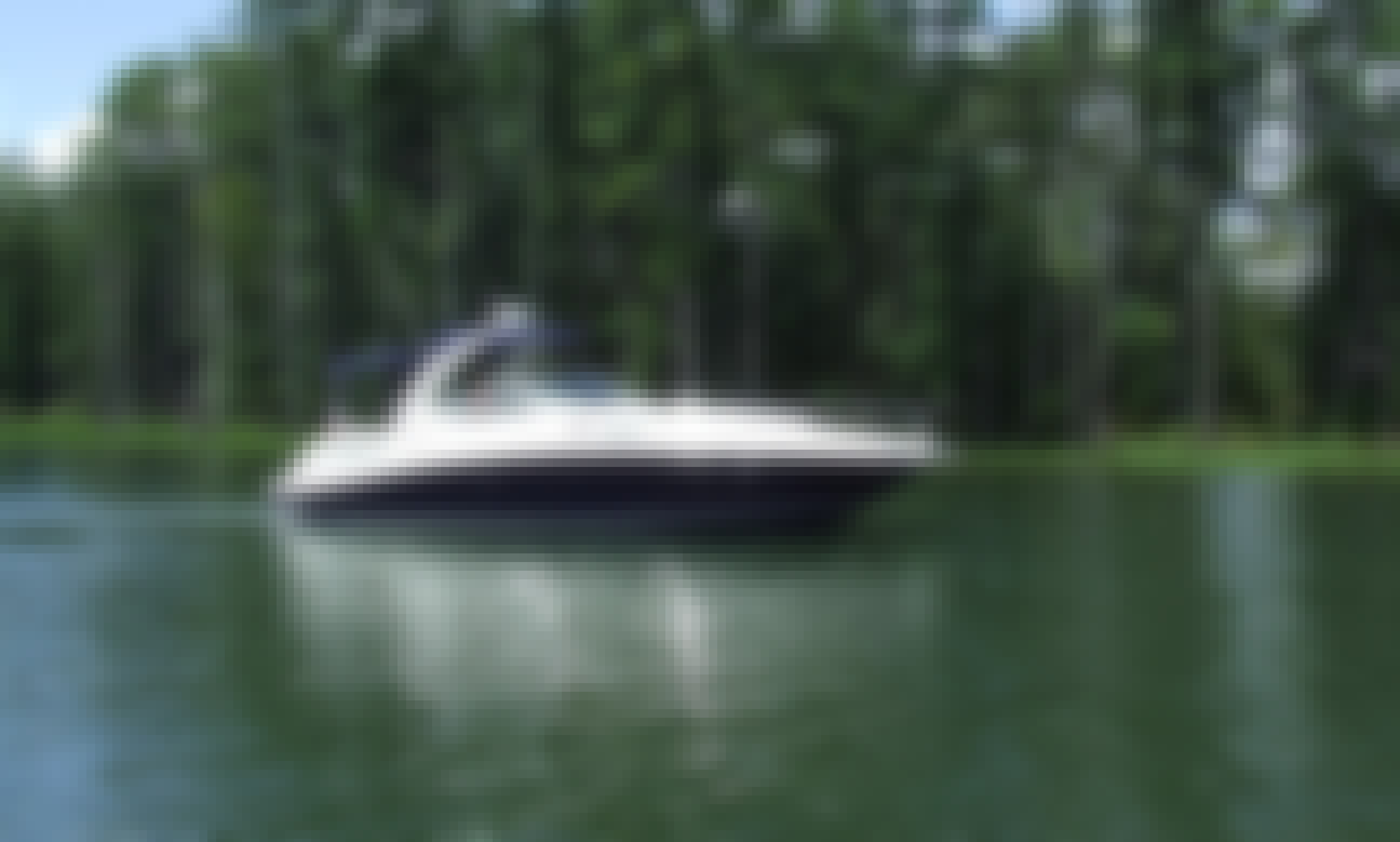 34' SeaRay Luxury Yacht Tours on Beautiful Lake Murray with Captain John