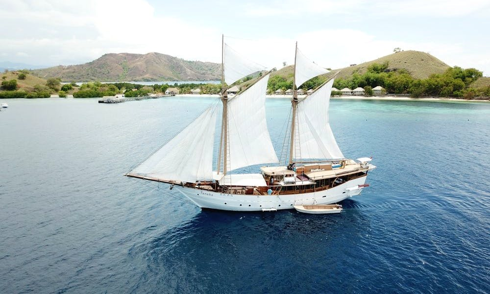 Live An Incredible Sailing Experience in Labuanbajo, Indonesia
