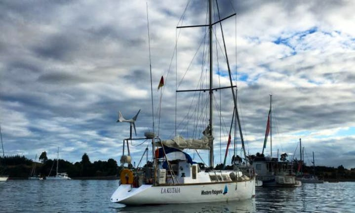 42 ft Lakutaia Cruising Monohull Charter for 5 People in Dalcahue, Chile