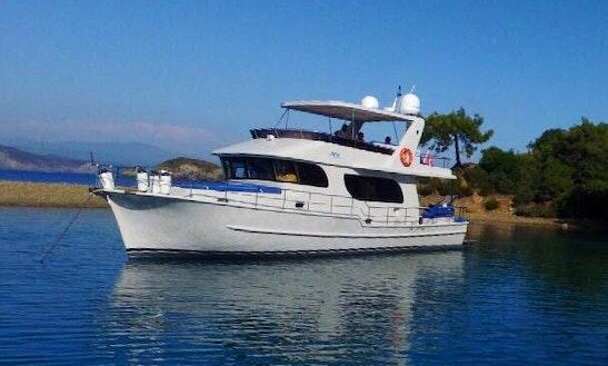 Motor Yacht Rental In Muğla