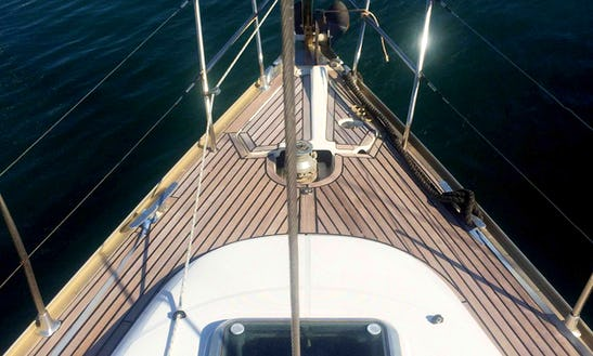 Sun Odyssey 40 Cruising Monohull Charter For 6 People In Alimos, Greece