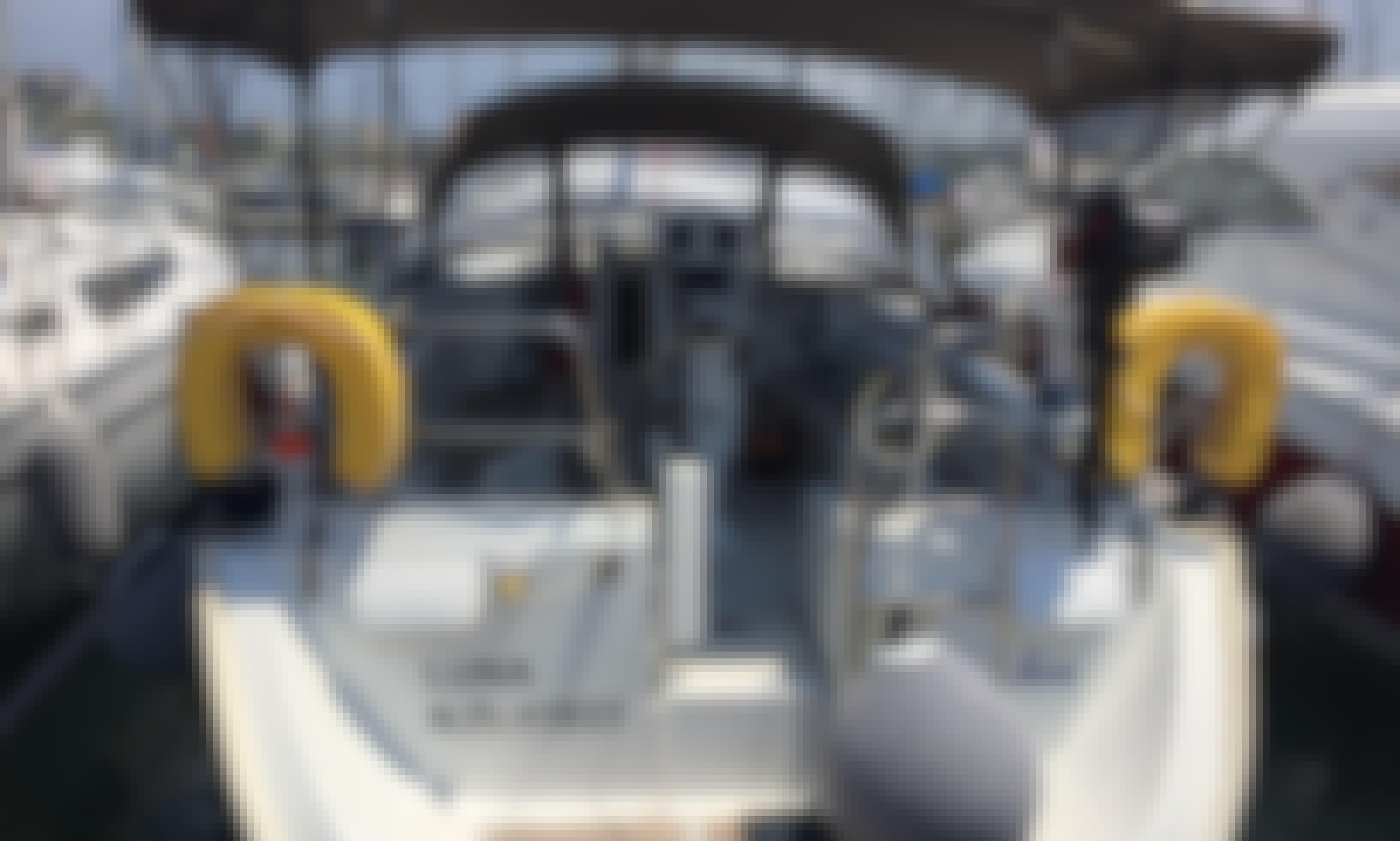 """Tour around Athens sea aboard Bénéteau Océanis 423 """"Luna"""" Sailboat"""