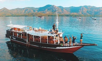 Vessel / Boat Liveaboard Private Charter in Komodo