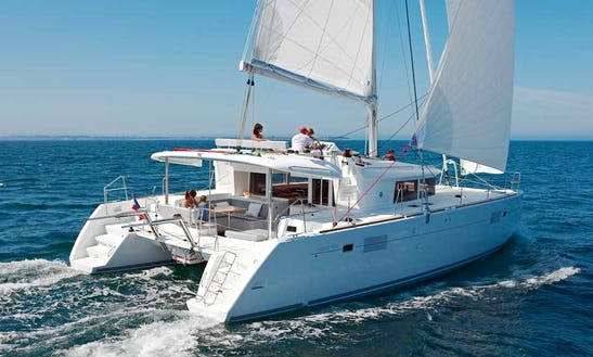 Let Your Adventure Begin On This Beautiful Sailing Catamaran!