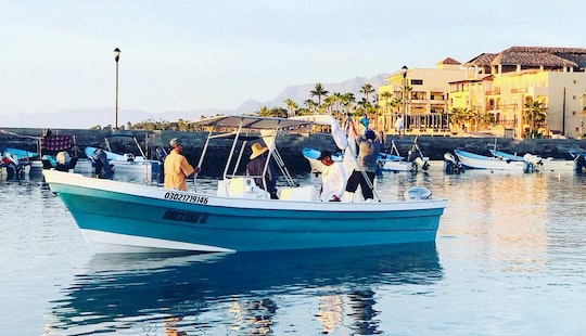 Sportfishing Charter For 4 People In Loreto, Baja California With Ariel