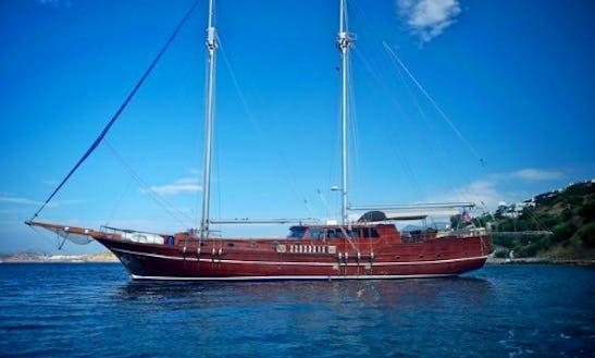 Sailing Charter On 89ft