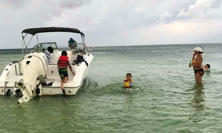 Family Charter Tour for 7 People in the Cayman Islands