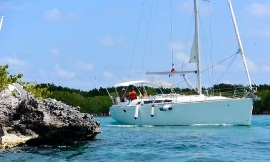 Jeanneau Sun Odyssey 45 Cruising Monohull Tour For 10 People In Quintana Roo, Mexico