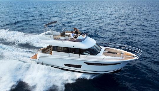 Luxury Motor Yacht Velasco 43f