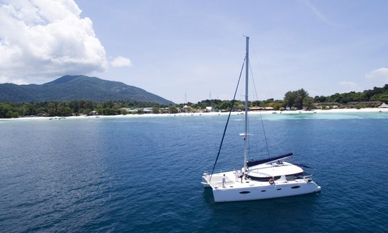 Sailing Catamaran Fountaine Pajot 48f