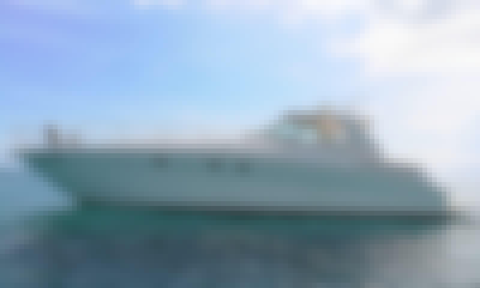 Beautiful Sea Ray Sundancer 51'