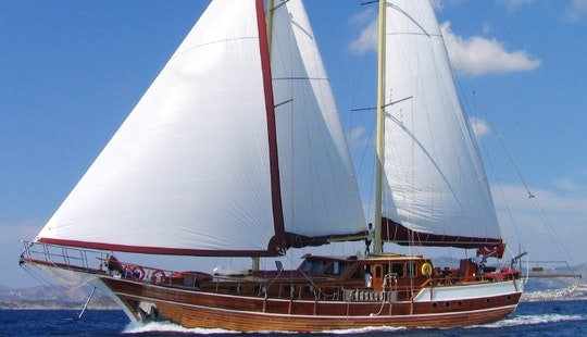 Experience A Crewed Turkish Sailing Gulet 10 Person In Bodrum, Mugla