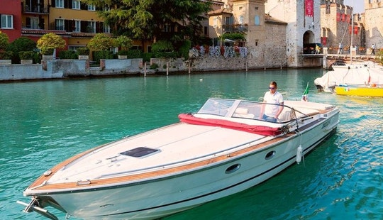 Relaxing Boat Tour In Sirmione, Italy!