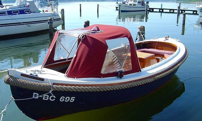 Classic 7-Person Sloop Poca Power Rental in Bad Saarow, Germany