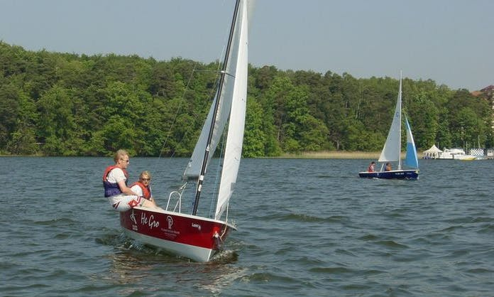 16 ft Laser Stratos Daysailer for Rent in Bad Saarow, Germany