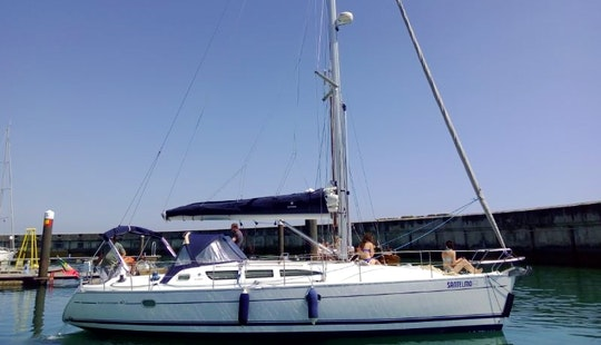 Cruising Monohull Rental In Cascais Or Lisbon