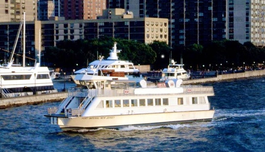 River Ferry Tours In Manhattan