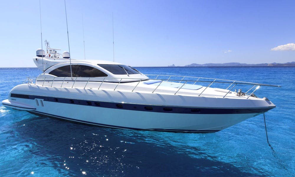 72' Mangusta. Great Deal for a Luxury Get Away Day in Miami.